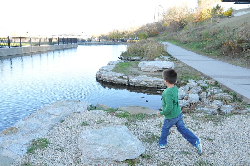 2014-10-25 Stone Arch Bridge 035.JPG