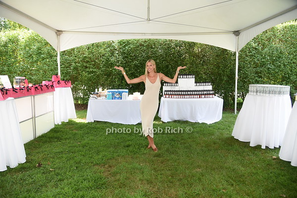 Hot in the Hamptons  cohosted by Kristen Taekman & Flaviana Matata  in Southampton on 7-27-19. all photos by Rob Rich/SocietyAllure.com ©2019 robrich101@gmail.com 516-676-3939