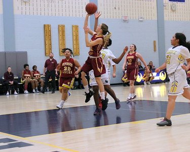 Windsor Locks Raiders Girls Basketball vs HMCTA