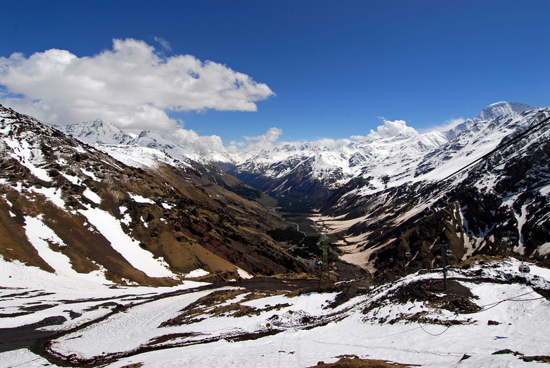 080502 2279 Russia - Mount Elbruce - Day 2 Trip to 15000 feet _E _I ~E ~L.JPG