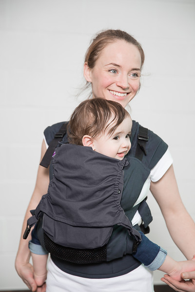 Izmi_Accessories_Lifestyle_Pocket_And_Hood_Midnight_Blue_Back_Carry_Dad_And_Toddler_Cropped.jpg
