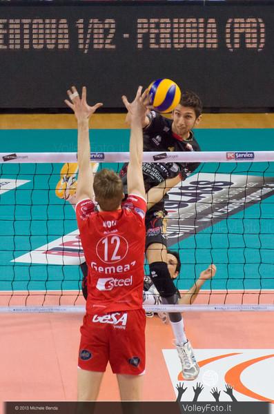 Alletti Aimone (Perugia) attacco contro HOLT Maxwell Philip (Piacenza)