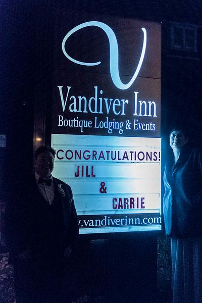 Jill&Carrie-256.jpg