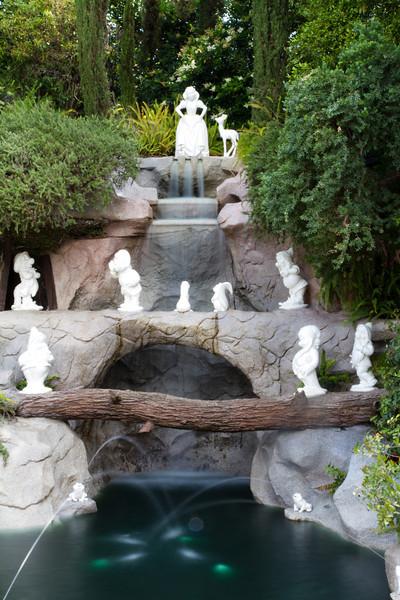 Snow White & The Seven Dwarves fountian