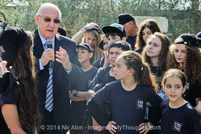 20141202 Pres. Rivlin Harvests Olives in Jerusalem