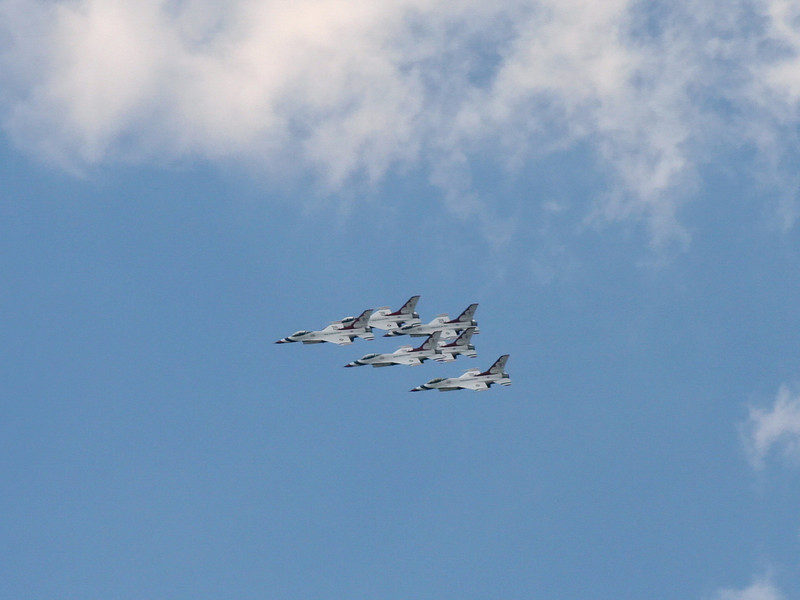 thunderbirds_02_4x3_07252008.jpg