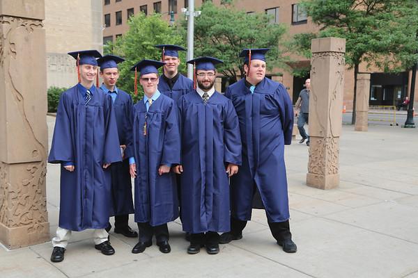 Taylor's_Graduation_2013