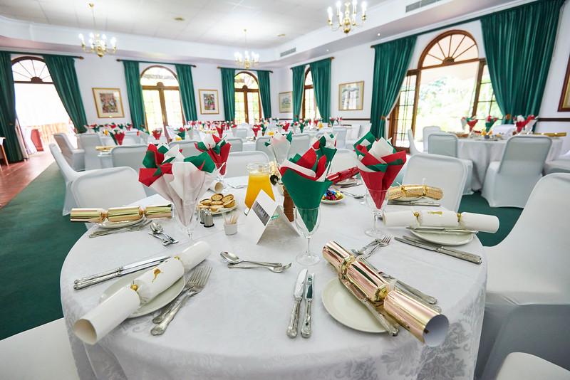 1712-15-016-Christmas Lunch-EvM.JPG