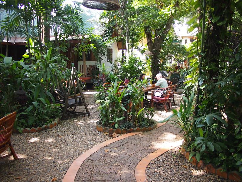 PC058975-mut-mee-garden.JPG