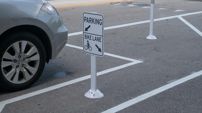 Protected Bike Lane Signage, Milwaukee