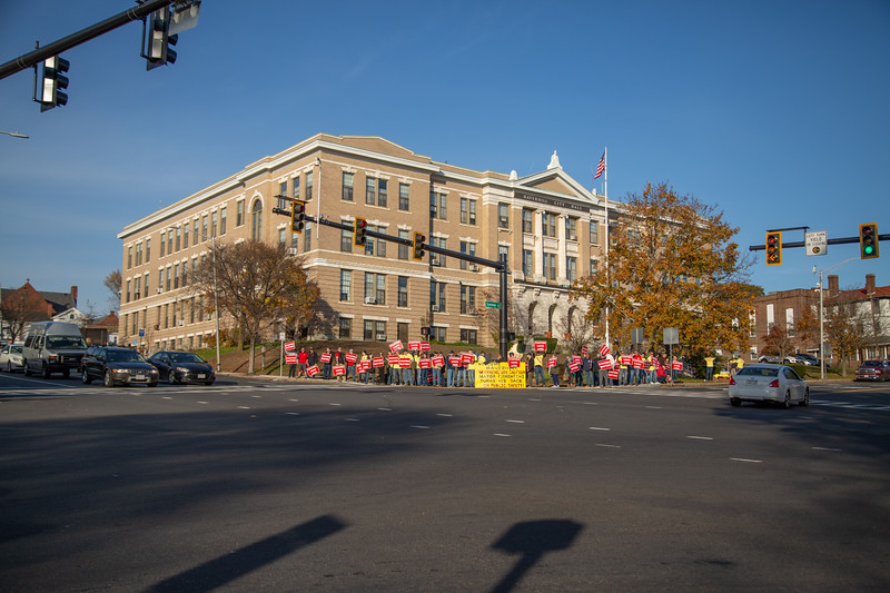 11-4-2019 Staffing Picket (25).jpg