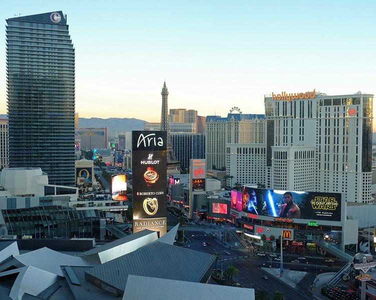 Vegas strip 03.jpg