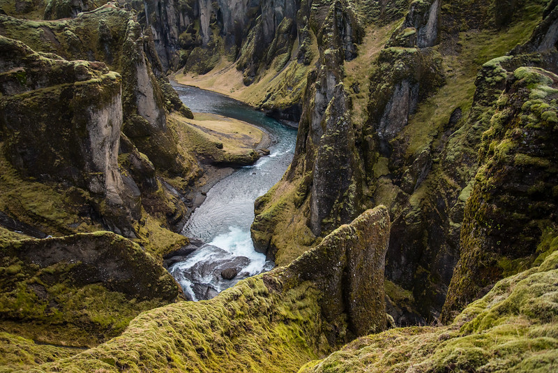 Jessica-Yurinko-Photography-Fjaðrárgljúfur-Iceland.JPG