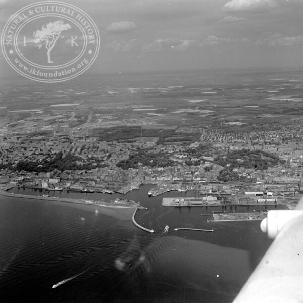 Helsingborg City with Harbor and Kärnan | EE.1205