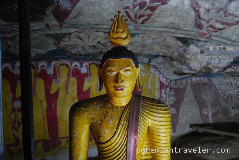 Cave Temples at Dambulla (14).jpg