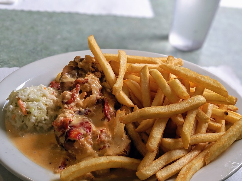 Blarney Stone hot lobster roll 3.jpg