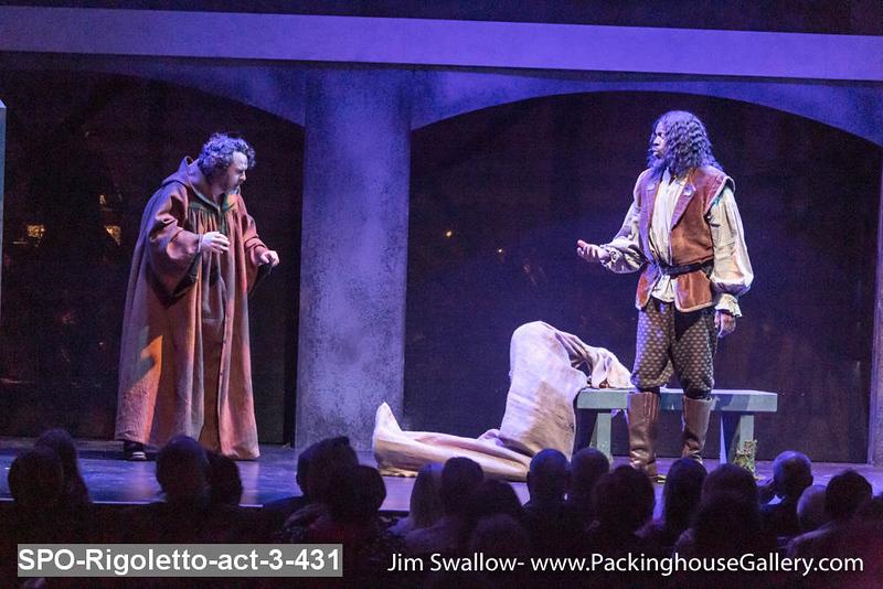 SPO-Rigoletto-act-3-431.jpg