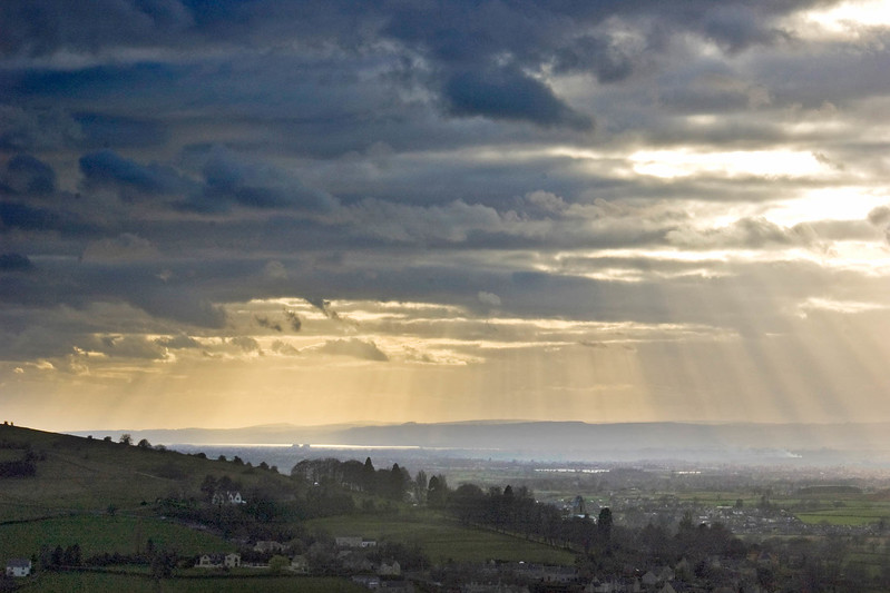 Gathering gloom Severn Vale 6 x 4 300 dpi adj shadows & highlights for PC 3358.jpg