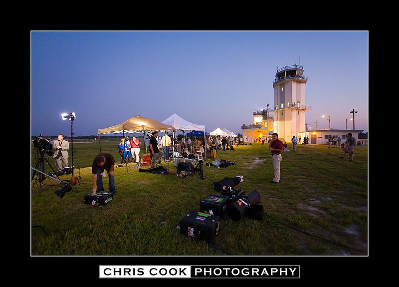 STS-135-landing-4.jpg