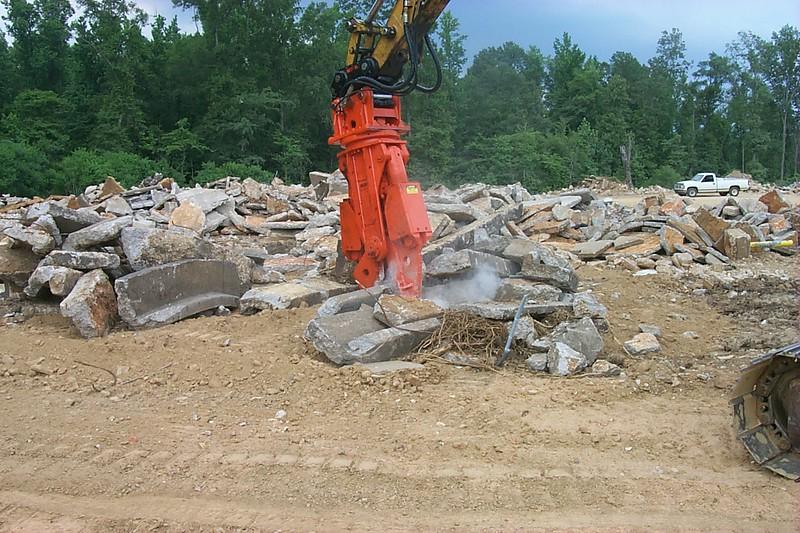 NPK M20G concrete pulverizer with QA20 quick attach on Cat excavator-concrete recycling (45).JPG