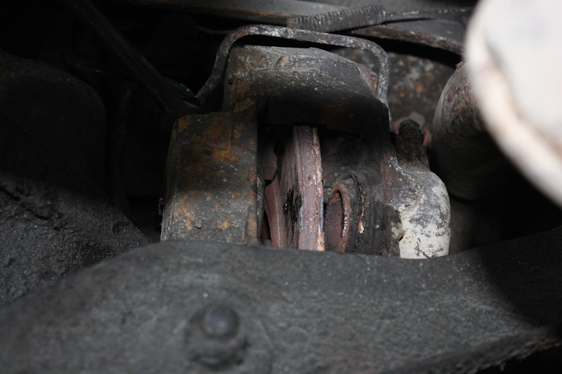 Left rear brake caliper excessive rust. Mot fail