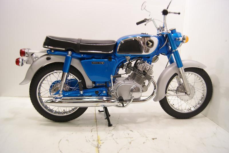 1968 CD175 11-12 001.JPG