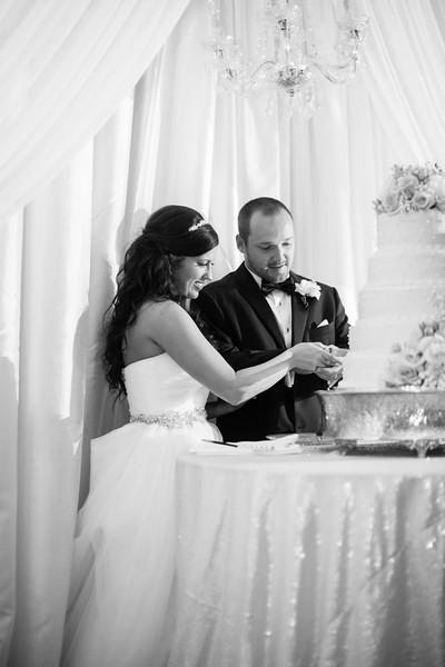 0920_Josh+Lindsey_WeddingBW.jpg