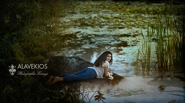 September,19 2018 Woodinville Senior Session on the soft waters