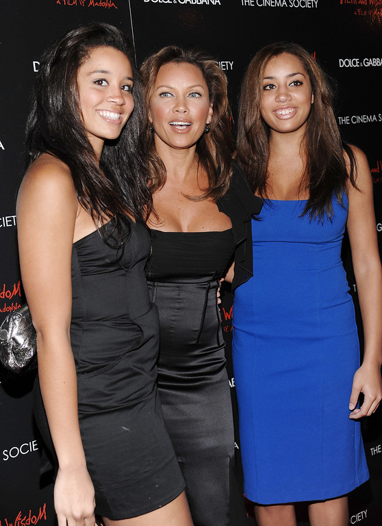 . Actress Vanessa Williams, center, with her daughters Jillian, left, and Melanie at a Cinema Society and Dolce Gabbana hosted special screening of \'Filth and Wisdom\' on Monday, Oct.13, 2008 in New York. (AP Photo/Evan Agostini)