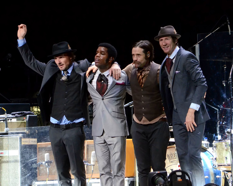 the who and vintage trouble 050.JPG
