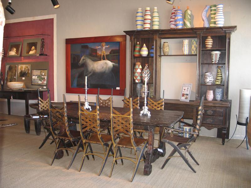 Artmosphere Retail galery during an exhibit of art. for Dalva Duarte