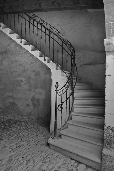 saignon stairs.jpg