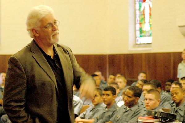 Joe Ehrmann speaks to cadets