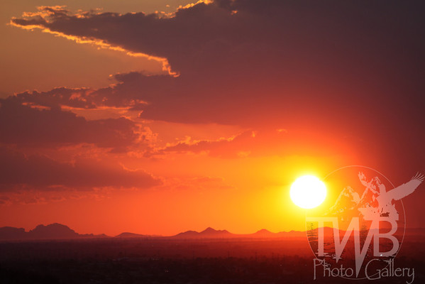 A dessert sunset, over Phoenix, Arizona