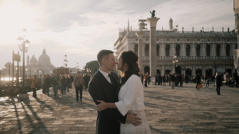 Tu-Nguyen-Destination-Wedding-Photographer-Elopement-Venice-Italy-Europe-w71a12.jpg