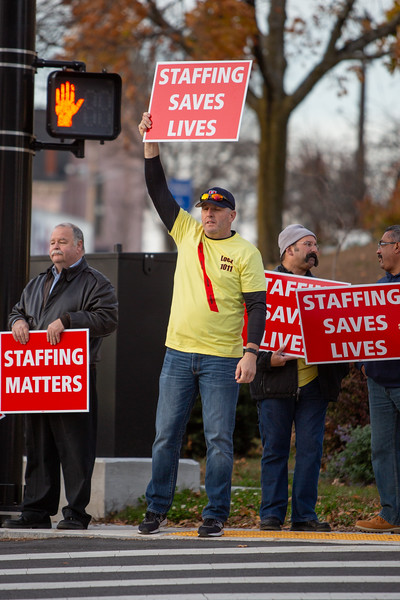 11-4-2019 Staffing Picket (93).jpg