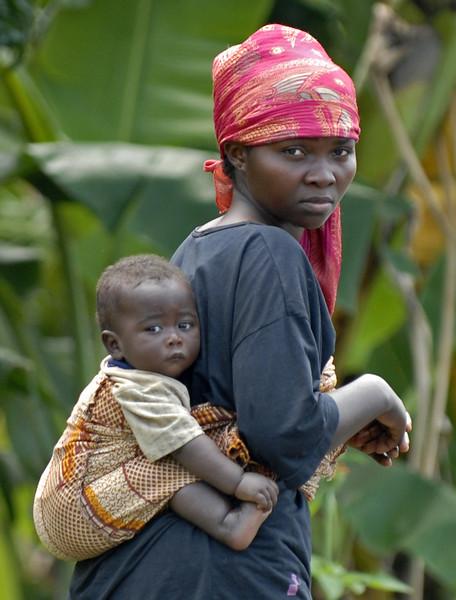 070103 3266-B Burundi - Bujumbura - Trip to Antoines Village _E _L ~E ~L.JPG