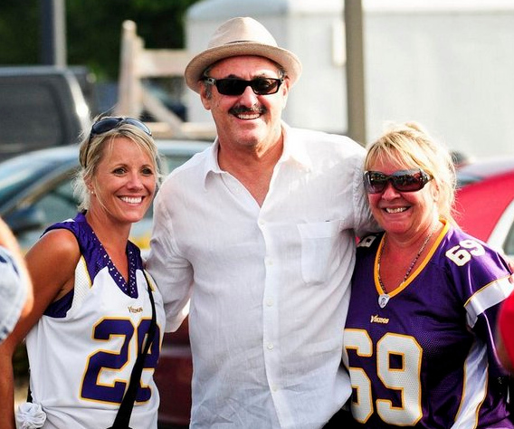 """. <p>2. MINNESOTA VIKINGS  <p>Fans will dig deeper into their wallets, so Zygi and his henchmen won�t have to. (unranked) <p><b><a href=\'http://www.twincities.com/politics/ci_24232134/minnesota-vikings-stadium-deal-goes-before-public-panel\' target=\""""_blank\""""> HUH?</a></b> <p>    (Pioneer Press: Ben Garvin)"""
