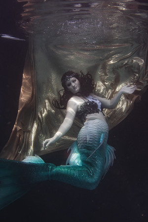 Crystal Mermaid Pool/Bath