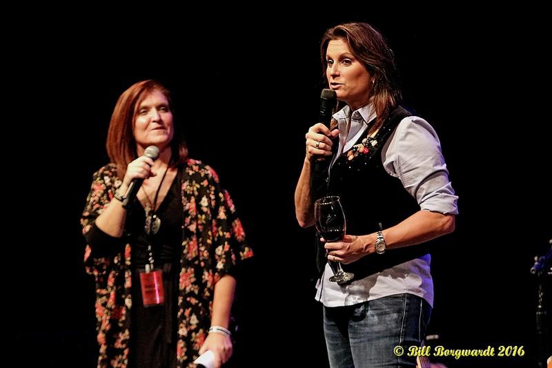 RyLee Madison & Terri Clark at Dow 298a.jpg