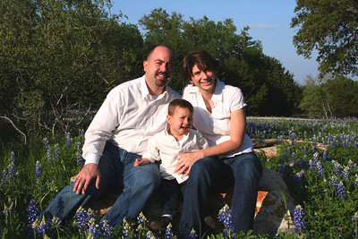 Lacey Family in Blue Bonnets