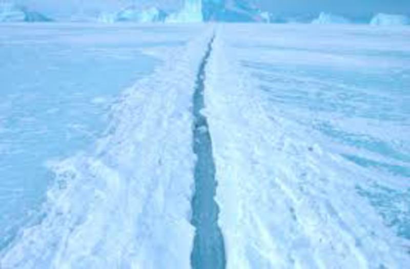 antartic_ice_shelf_crack.jpg