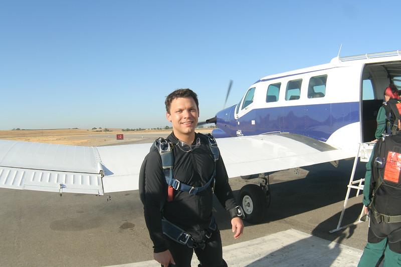 craig skydiving sept 2008-3.JPG