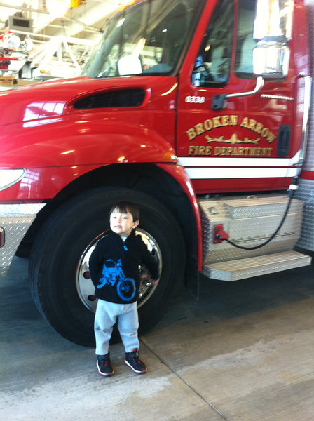 2013-0412 Field Trip to Fire Station