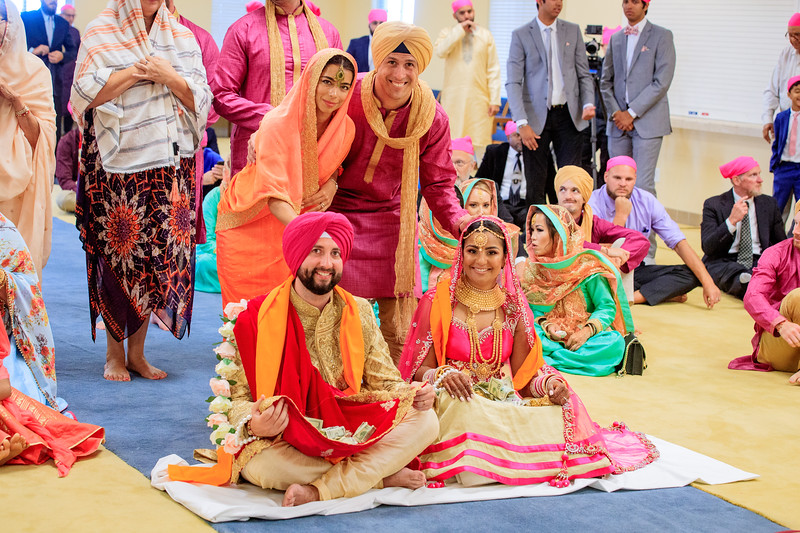 Neelam_and_Matt_Gurdwara_Wedding-1512.jpg