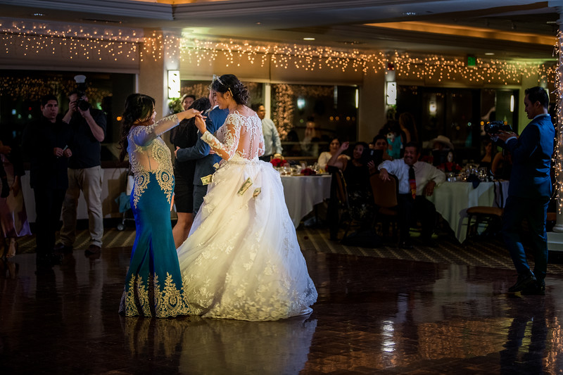 2017-DEC9_Wedding-656.jpg
