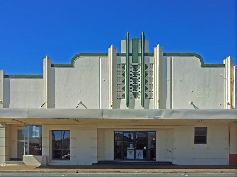 28 July, 2014: Former cinema, Tenterfield, New South Wales.