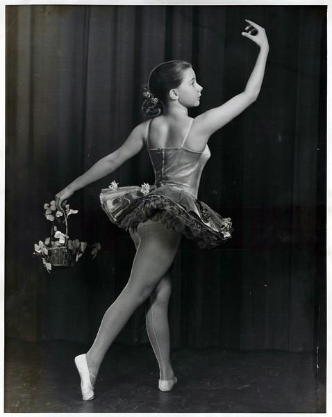 Dance_2948_a.jpg