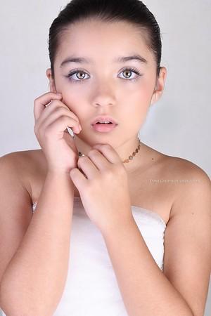 Starbelle Beauty Shoot - Dani Geddes