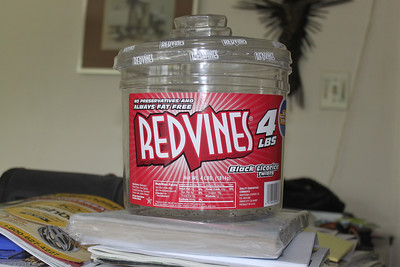 Red Vines to rain gauge cap